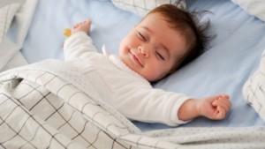 Ngủ đủ giấc để có đucợ làn da mềm mại như em bé.